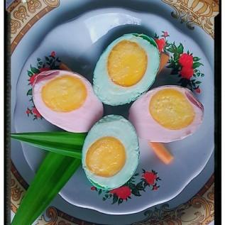 Jual telur asin pandan & strowberry