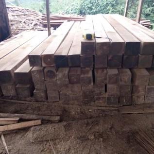 Menjual & mebeli kayu jati
